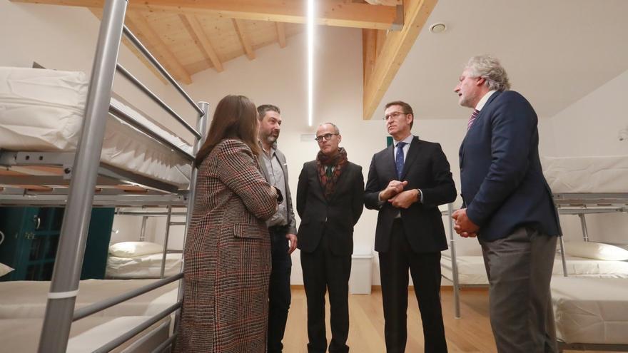 Feijóo, en uno de los varios actos incluidos en su agenda en el último mes con el alcalde de Ourense, el único del PP en las siete ciudades gallegas
