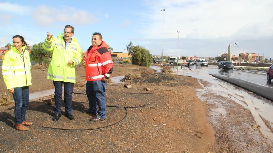 Marcial Morales visita las incidencias de la borrasca a su paso por Fuerteventura