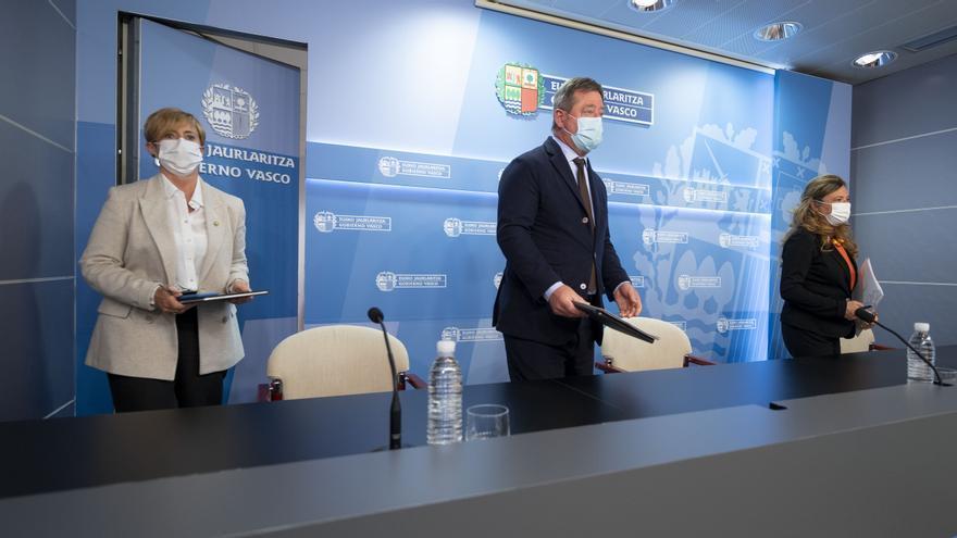 El portavoz del Gobiermo Vasco, Bingen Zupiria, comparece en Consejo de Gobierno, junto a las consejeras Arantxa Tapia y Gotzone Sagardui
