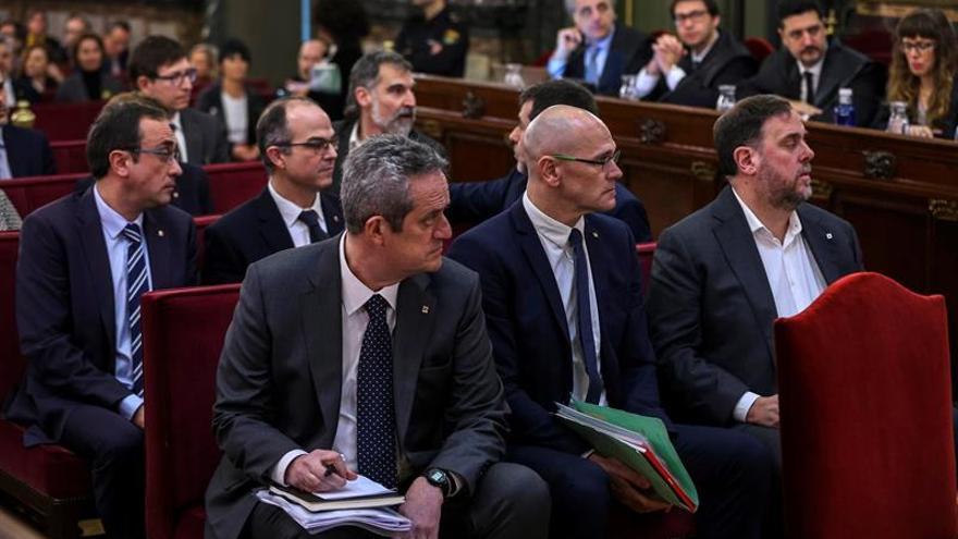 Forn, Romeva y Junqueras, en el banquillo