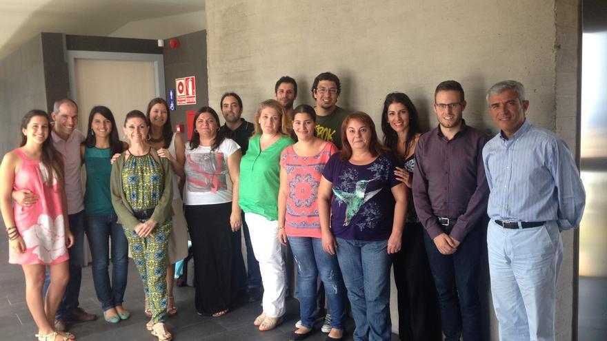 El doctor Serrano-Aguilar (derecha) junto al equipo que participa en el estudio.