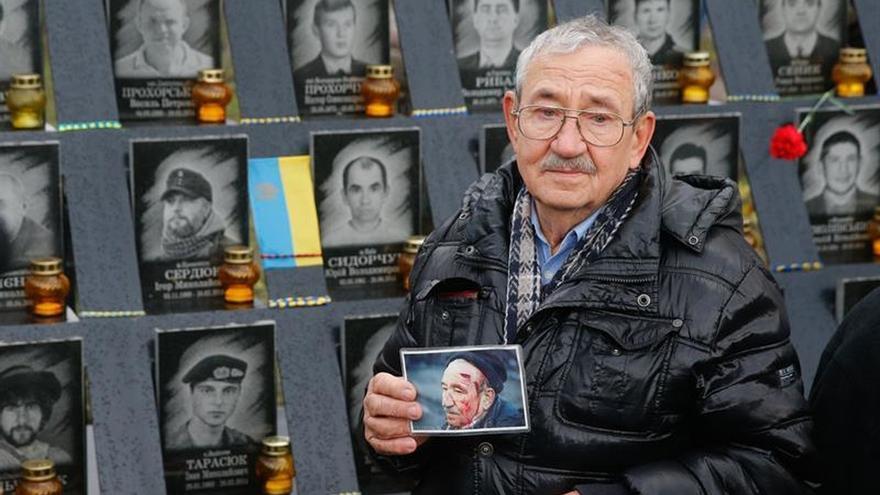 Ucrania rinde homenaje a los caídos en la revolución del Maidán