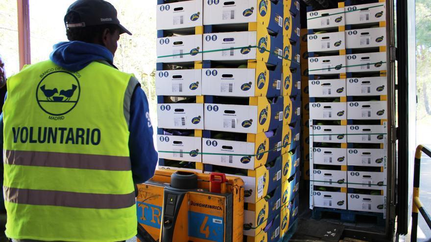 El sector platanero canario,  formado por cerca de 8.000 agricultores. ha donado a la Federación de Bancos de Alimentos más de 12 millones de kilos de plátanos en los últimos 5 años.