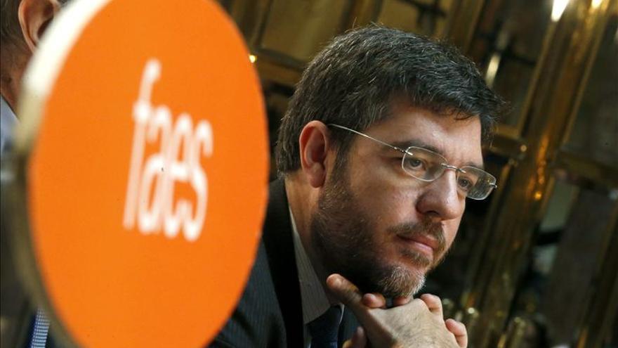 Alberto Nadal defiende su reforma energética porque da estabilidad frente a una política de buenos y malos