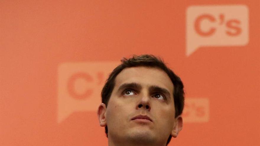 """Rivera afirma que con Rajoy al frente del nuevo Gobierno, C's estará """"en la oposición"""""""