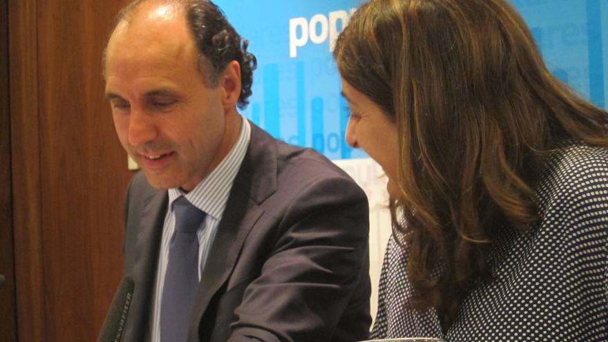 """Diego seguirá al frente del PP cántabro porque """"no es momento de dejar las cosas a medias"""""""