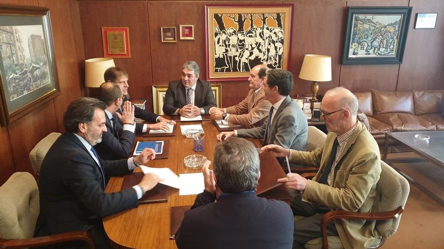 Cámaras y CEOE se unen para trabajar por las empresas cántabras afectadas por las políticas energéticas