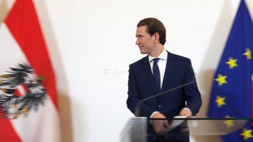 Kurz ofrece la participación de los partidos de la oposición en el Consejo de Ministros