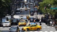 El alcalde de Nueva York está indignado por el trato de taxistas a pasajeros chinos