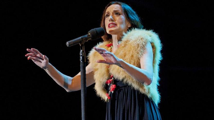 """Luz Casal derrocha """"pasión"""" en su primera actuación en Japón"""