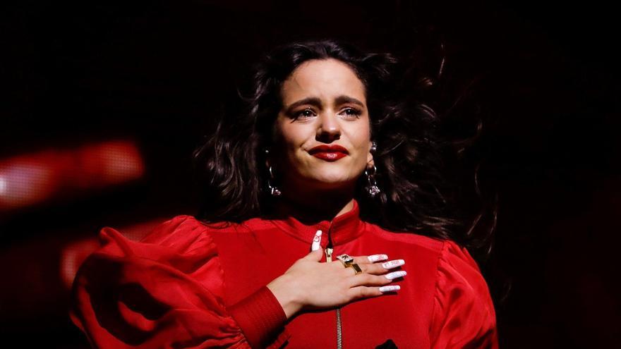 Rosalía, emocionada en el último concierto que dio en diciembre en Barcelona