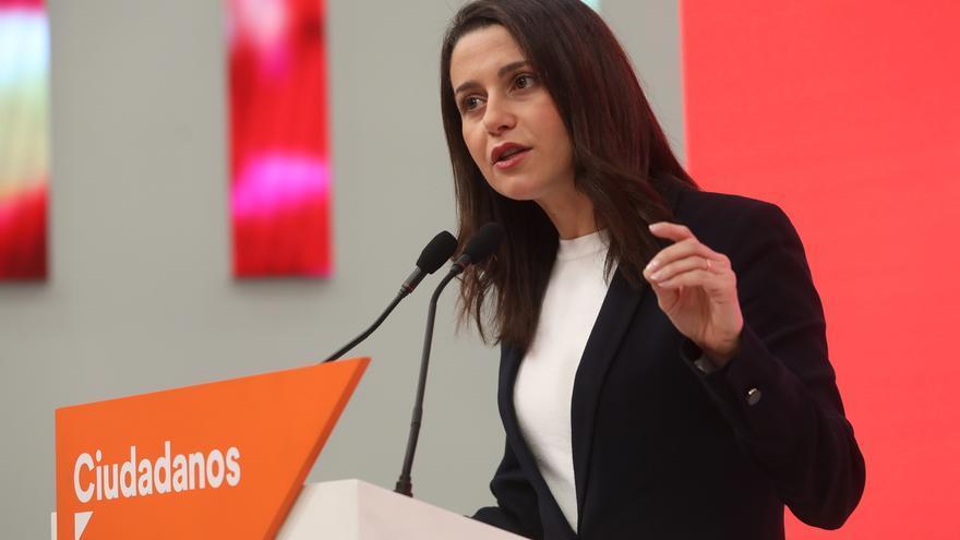 """Rivera trasladará a Sánchez en la Moncloa que liderará la oposición """"con firmeza y sentido de Estado"""""""