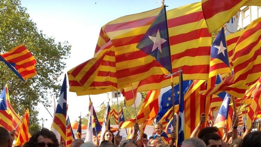 La Diputación de Lérida quita la bandera española de su sede