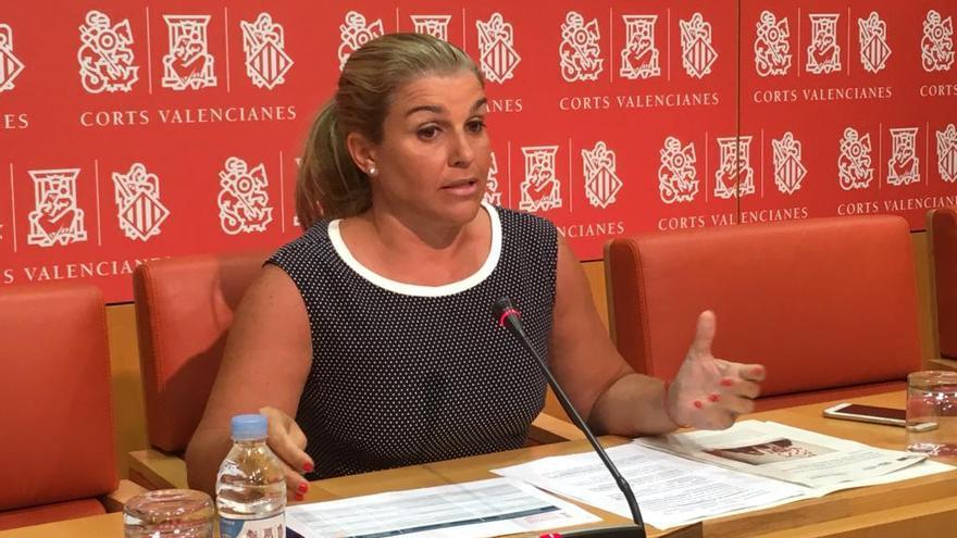 La secretaria general del PPCV, Eva Ortiz, durante la rueda de prensa en la que ha anunciado medidas.