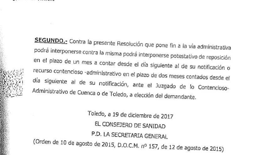 Extracto final de documento de Resolución al que ha aludido Llorente, con la firma del consejero de Sanidad
