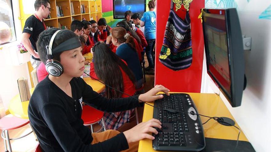 Tecnología es punto de partida y no de llegada en educación, afirman expertos