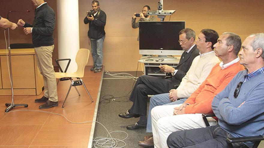El alcalde de Arrecife, José Montelongo, en su declaración en el juicio / Fotos: Felipe de la Cruz.