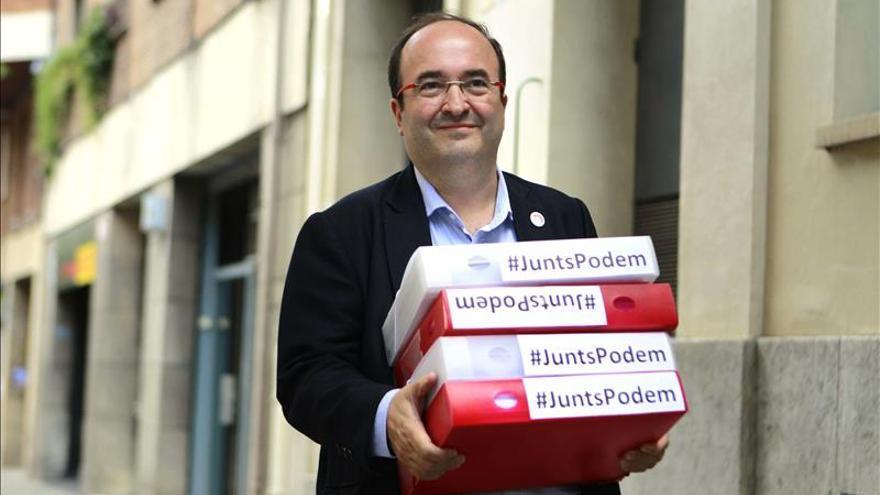 Miquel Iceta presenta el doble de los avales requeridos para liderar el PSC
