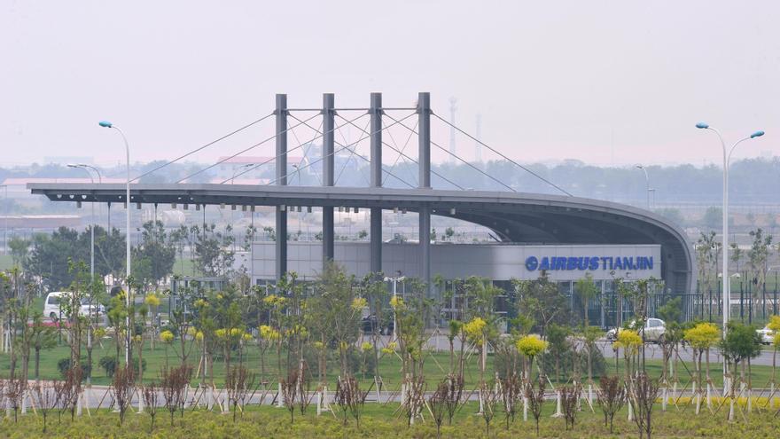 Airbus finaliza en su línea de ensamblaje en China el avión número 100 de la familia A320