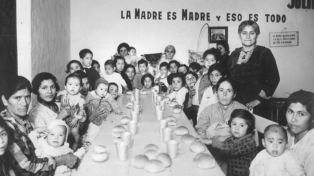 """""""Cantina maternal, Santiago del Estero, 1936"""", una imagen del Archivo General de la Nación"""