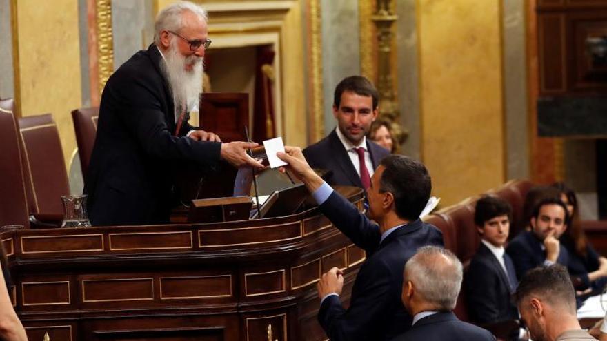 """El presidente """"Valle-Inclán"""", el trombo y la """"sacra urna"""" del Congreso"""