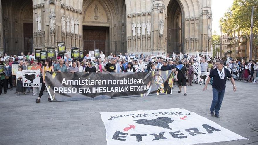 Alrededor de 300 personas reivindican en Vitoria el fin de la dispersión