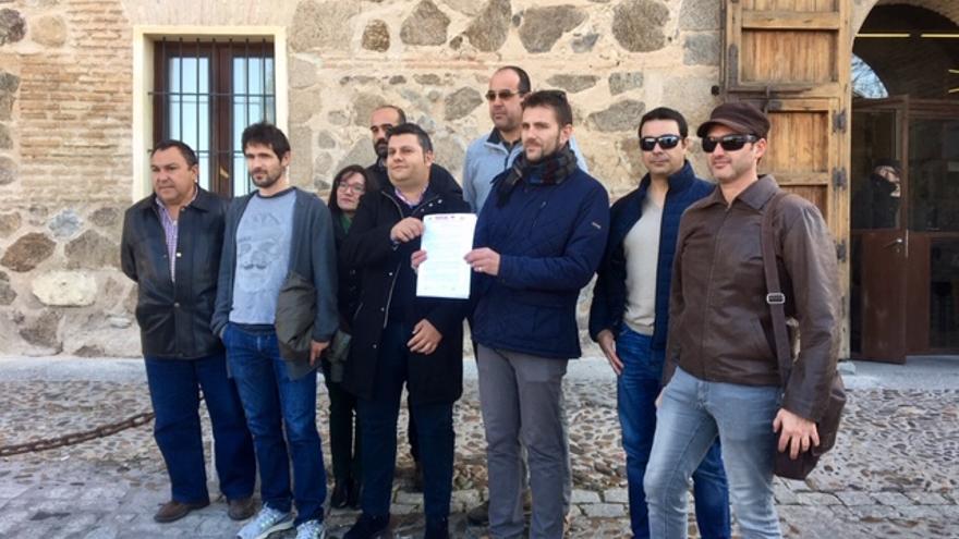 Los sindicatos UGT, CCOO, STAS y CSIF registran un manifiesto con las reivindicaciones para el cuerpo de Agentes Medioambientales en el Palacio de Fuensalida FOTO: Teresa Sánchez