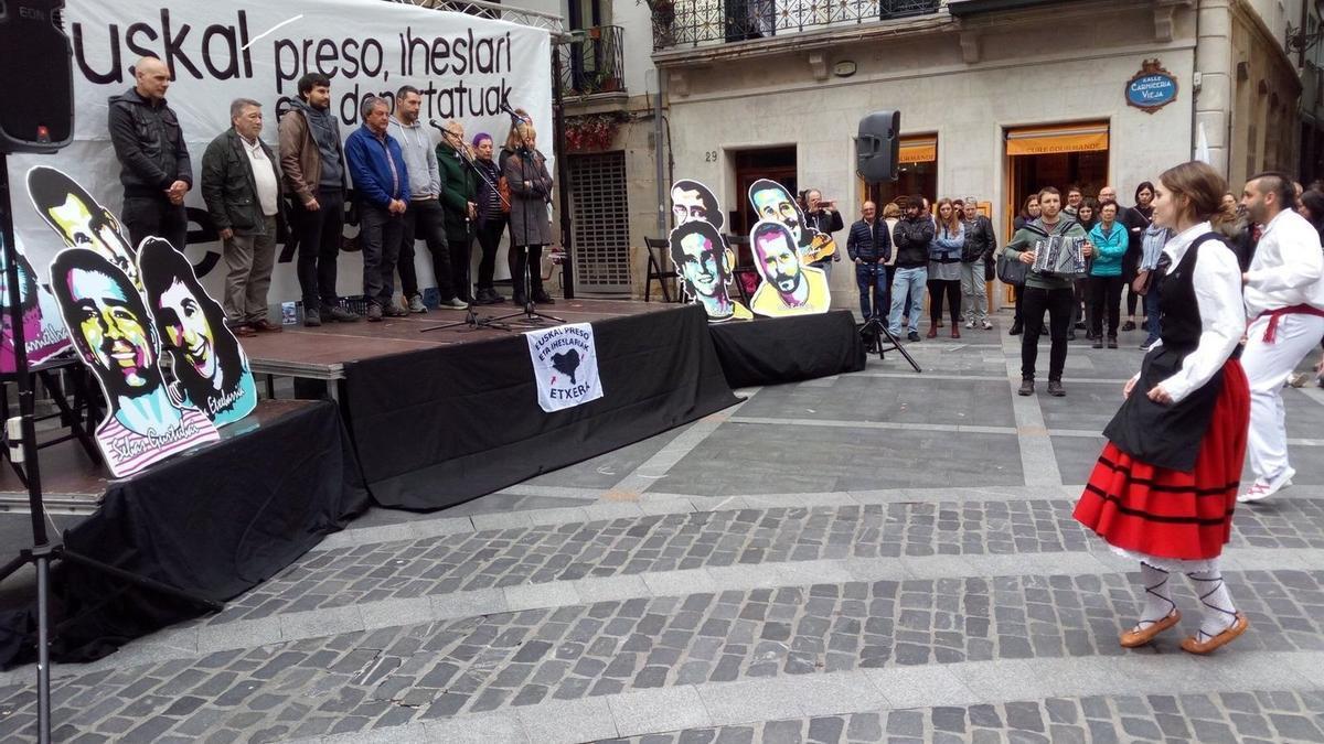 Archivo - Homenaje en Bilbao a un expreso de ETA