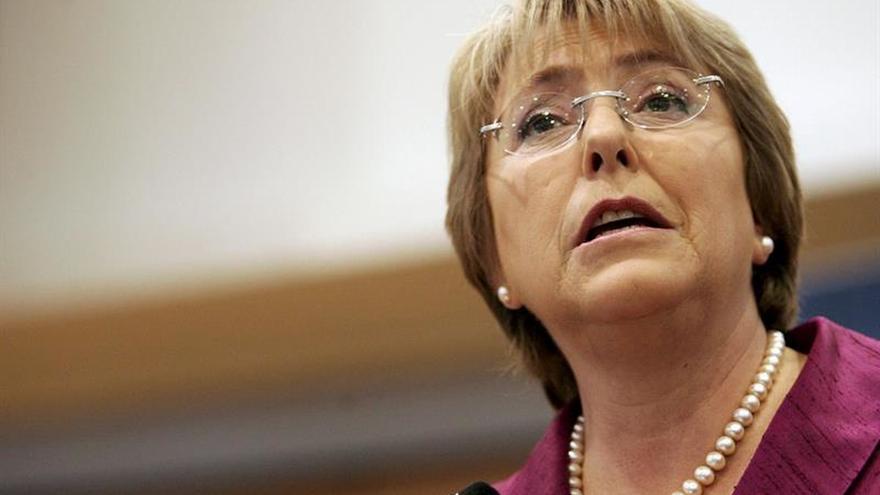 La aprobación de Michelle Bachelet cae al 21 %, la más baja de su mandato