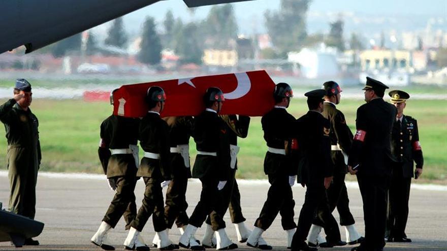 Un militar muere y seis resultan heridos en un ataque del PKK en Turquía