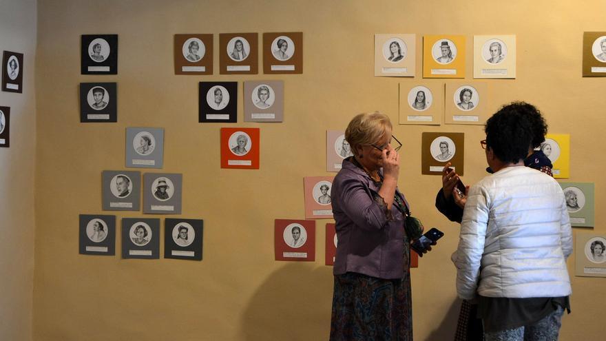 Muestra sobre retratos de mujeres en la Casa Salazar.