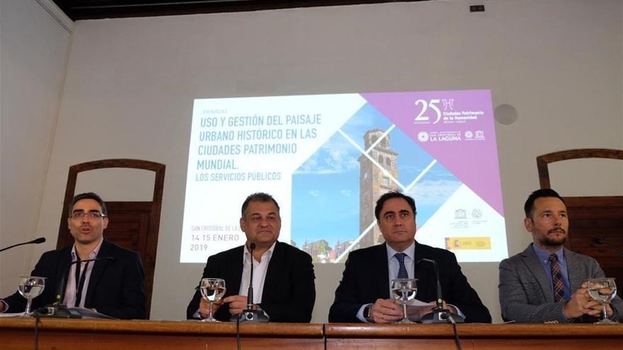 José Alberto Díaz, alcalde lagunero, en la rueda de prensa de este lunes