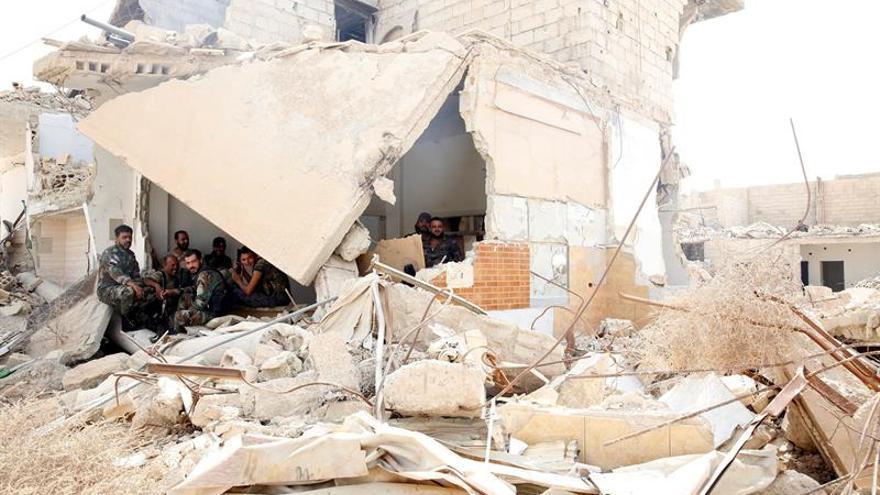 Rebeldes sirios apoyados por Turquía arrebatan otra aldea al EI en el norte