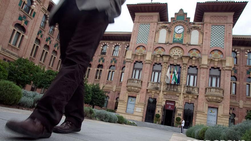 Fachada del Rectorado de la Universidad de Córdoba.   MADERO CUBERO