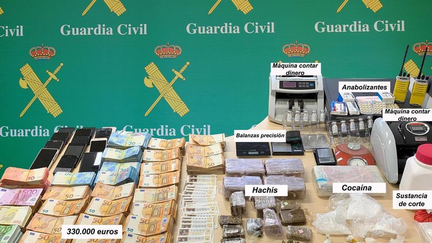 Cae un grupo de tráfico de drogas en Cantabria y Vizcaya al que incautan 1,4 kilos de cocaína y 330.000 euros
