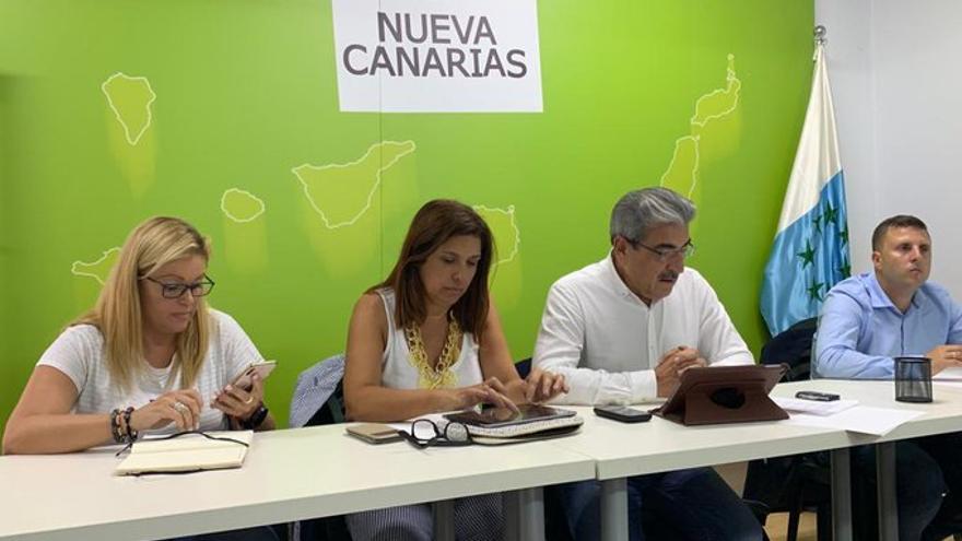 Ejecutiva Nacional de Nueva Canarias, liderada por Román Rodríguez y Carmen Hernández.