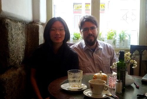 Maureen Choi y Mario Carrillo, en el Café de la Luz I Foto: Somos Malasaña