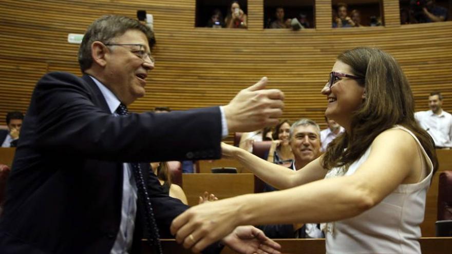 El president Ximo Puig y la vicepresidenta Mónica Oltra en las Corts