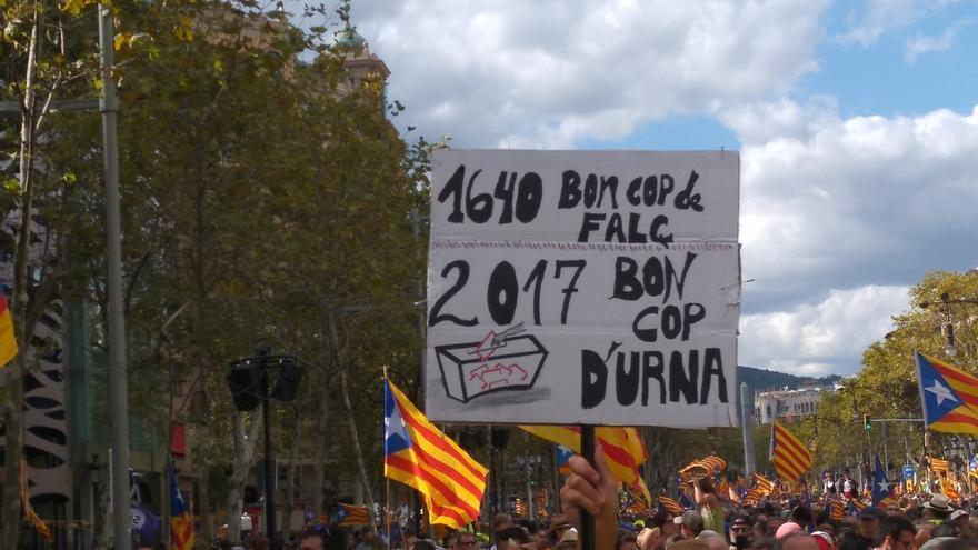 Miles de 'estelades' llenan el centro de Barcelona para la manifestación soberanista