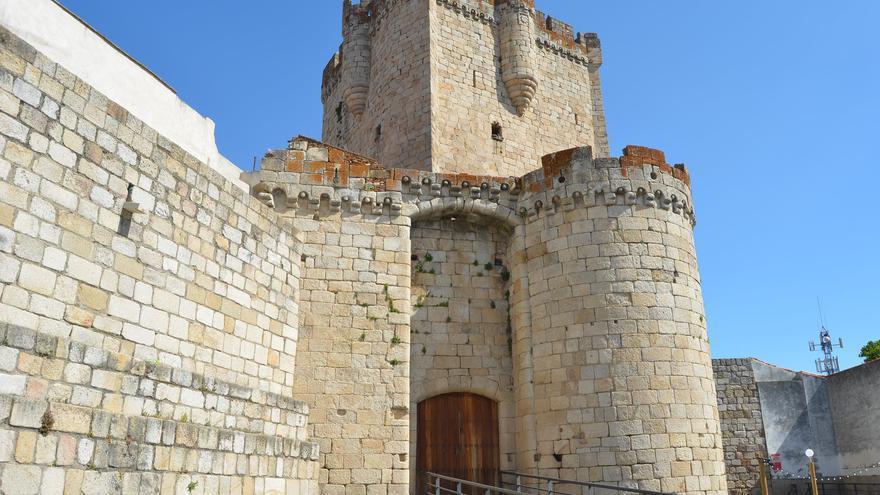 Castillo en Coria, uno de los centros patrimoniales más importantes de la comarca. Pedro