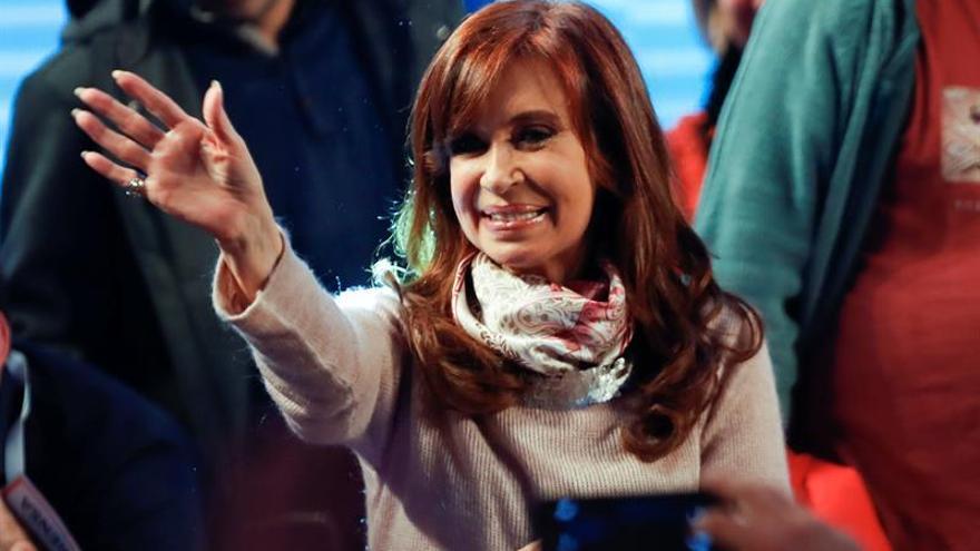 Fiscal pide indagar a Cristina Fernández por encubrimiento de terroristas