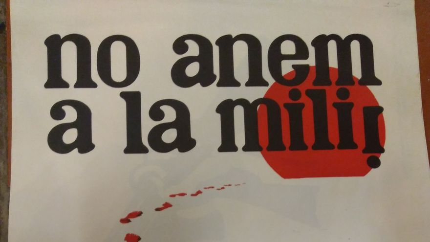 Un cartel en contra del servicio militar obligatorio y por la objeción de conciencia