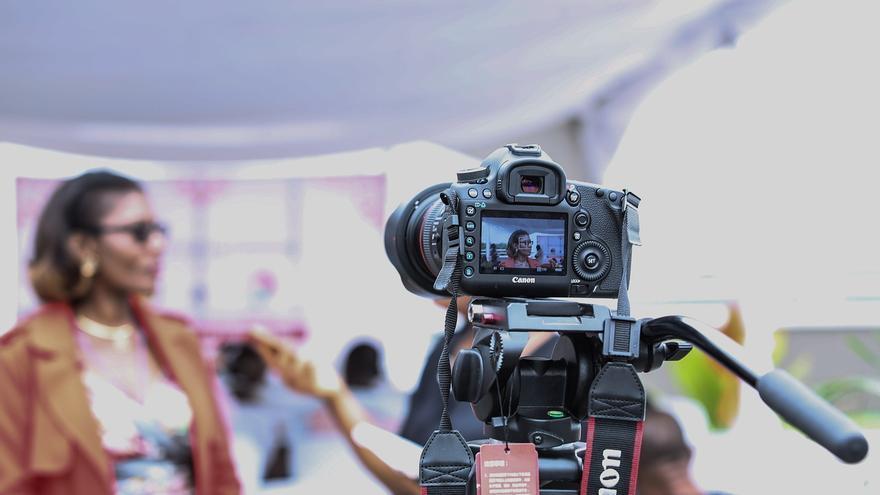 cámara mujer televisión cine