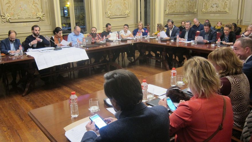 Unanimidad del Pleno para el 'sí' a la modificación del PGOU sobre el Dobra y al plan para los FEDER