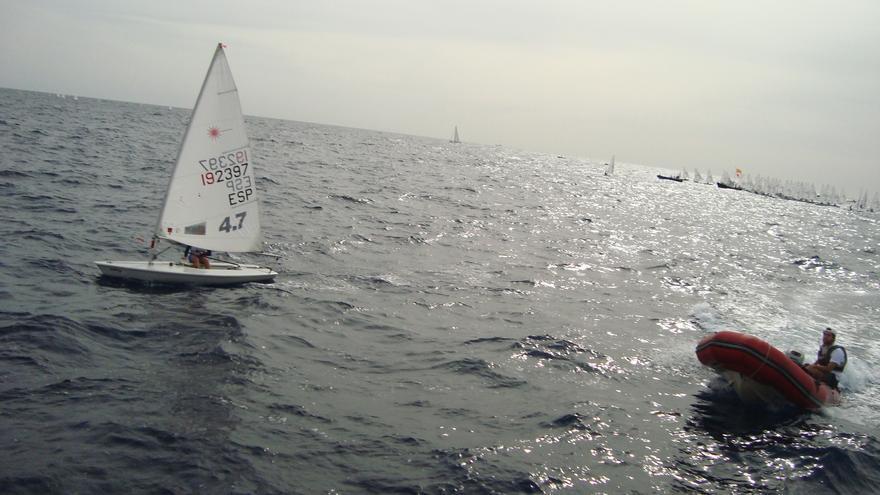Imagen del segundo día de competición en aguas de Santa Cruz de Tenerife. (RCNT).