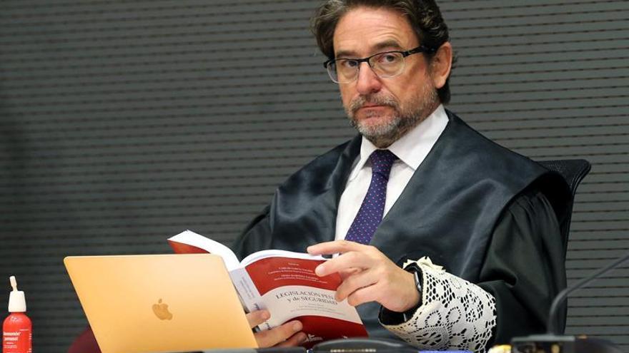 El juez Alba divulga informaciones falsas para hacer creer que la grabación que le incrimina está manipulada
