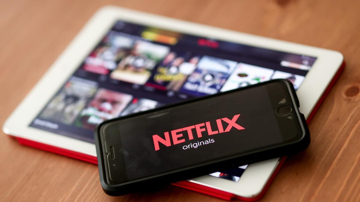 Imagen de archivo de un dispositivo con Netflix. EFE/EPA/SEDAT SUNA/Archivo