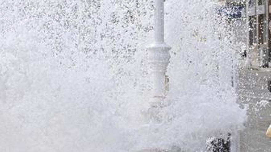 Meteorología mantiene este domingo en alerta 14 provincias