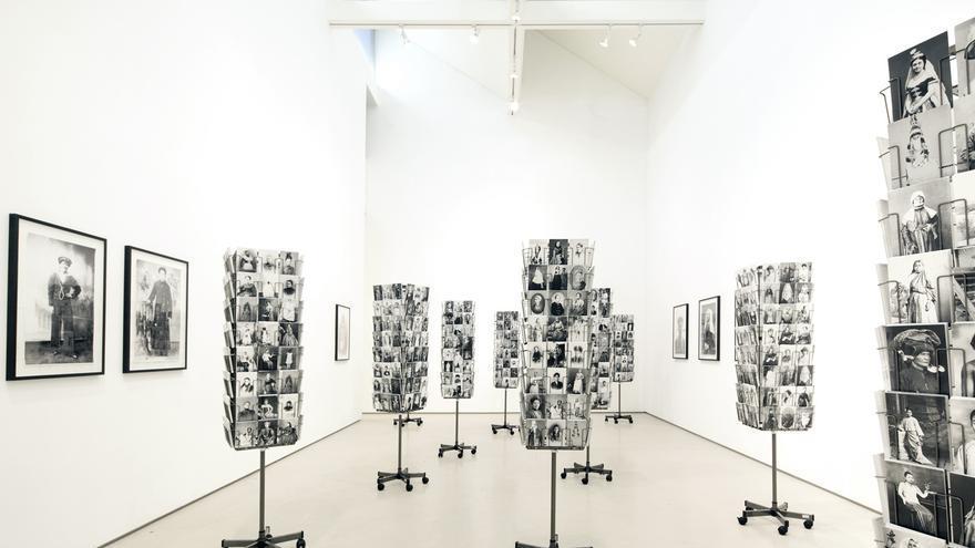 Exposición 'Woman to go' de la artista multidisciplinar Mathilde ter Heijne.