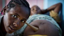 Solo el 22% de los países cuentan con un número suficiente de matronas, según el UNFPA  / Fotografía: Jhpiego/Kate Holt